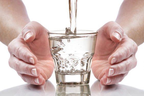Започвайте деня си с чаша вода за тонус и добро настроение