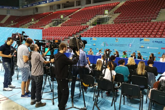 Посрещаме представители от 54 държави за световното по художествена гимнастика